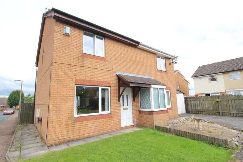 3 Bedrooms Semi Detached House for sale in Royds Park Crescent, Wyke, Bradford, BD12