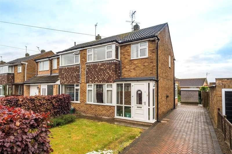 3 Bedrooms Semi Detached House for sale in Heath Croft, York, YO10