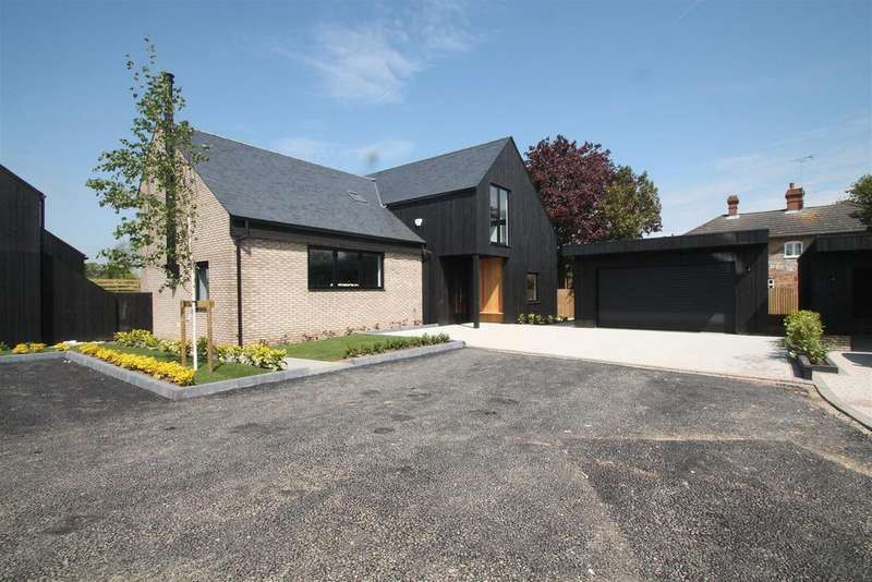 4 Bedrooms Detached House for sale in SHOW HOME WEEKEND THE FORSTAL, Lenham Heath