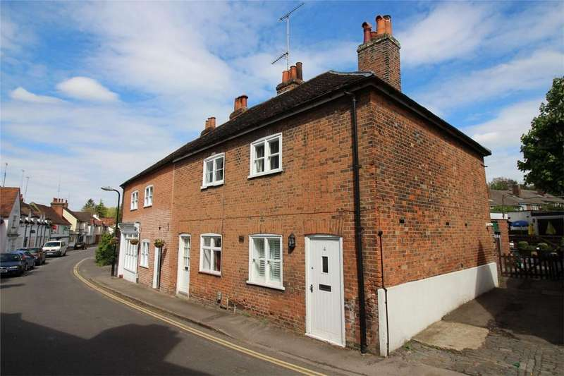 2 Bedrooms Cottage House for sale in Park Street, Old Hatfield, Hertfordshire