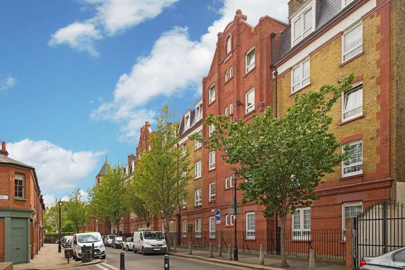 3 Bedrooms Flat for sale in Globe Road, Tower Hamlets, London E2