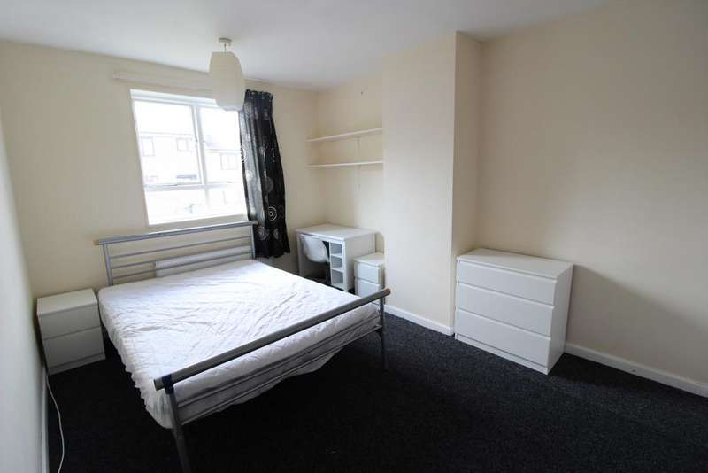 4 Bedrooms Terraced House for rent in Summer Street, Sheffield S3
