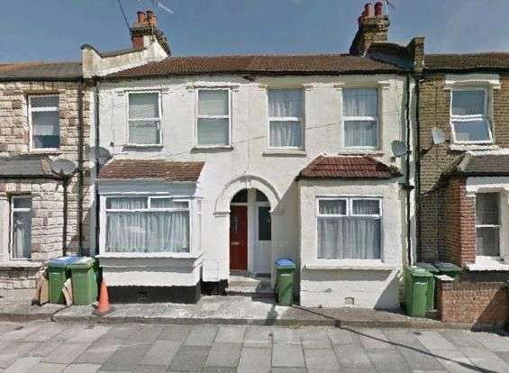 3 Bedrooms Terraced House for sale in Marmadon Road, Plumstead, London SE18