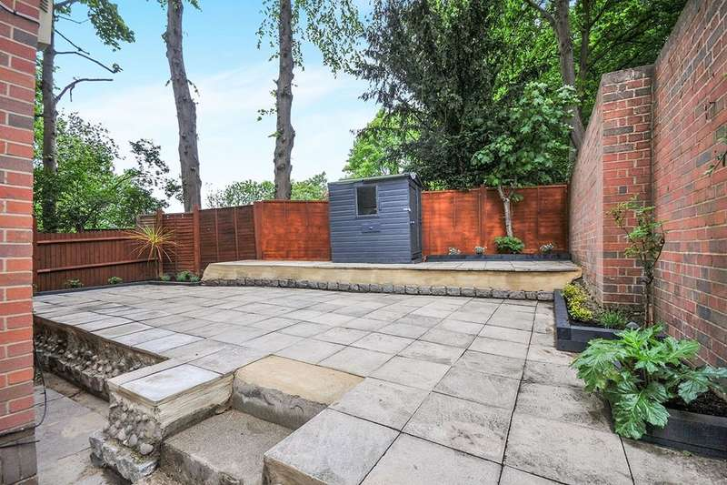 1 Bedroom Flat for sale in Crystal Palace Parade, London, SE19