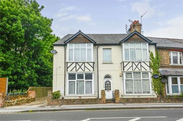 Flat for sale in 17 Park Road, Rickmansworth, Hertfordshire