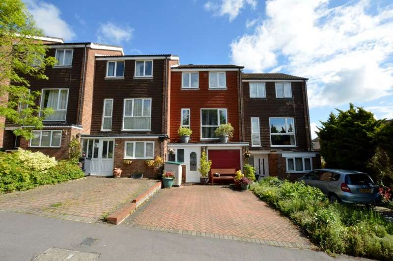 3 Bedrooms Terraced House for sale in Treacher's Close, Chesham, HP5
