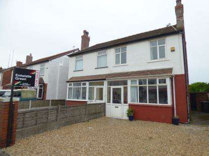 3 Bedrooms Semi Detached House for sale in Brook Street, Crossens, Southport, Merseyside, PR9