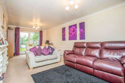 3 Bedrooms Terraced House for sale in Fountains Avenue, Harrogate, North Yorkshire, .