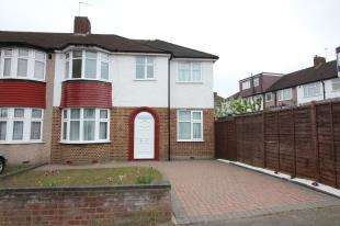 4 Bedrooms Semi Detached House for sale in Datchet Road, Catford, London, United Kingdom