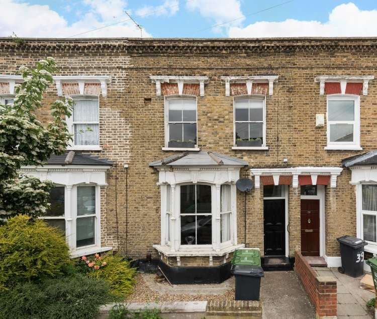 2 Bedrooms Flat for sale in Billington Road London SE14