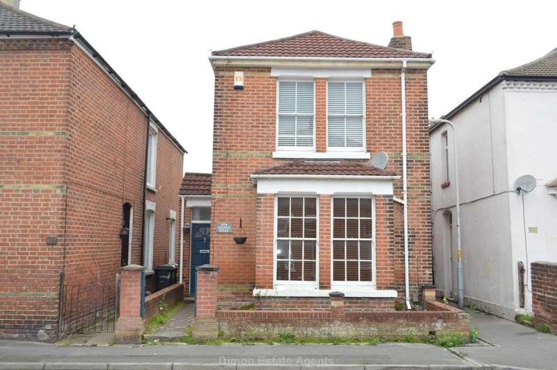3 Bedrooms Detached House for sale in Avenue Road, Gosport