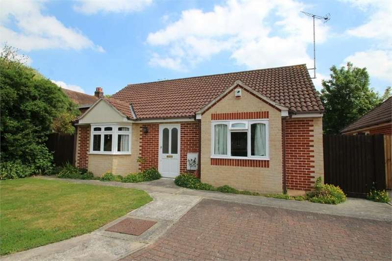 2 Bedrooms Detached Bungalow for sale in Berryfields, East Bay, COLCHESTER, Essex