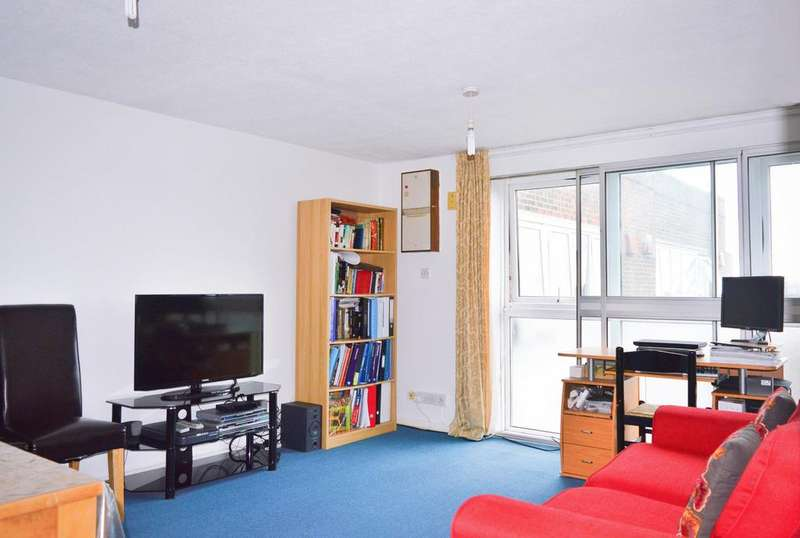 1 Bedroom Apartment Flat for sale in Harris Close, Hounslow, TW3