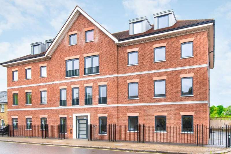 2 Bedrooms Apartment Flat for sale in Belmont Terrace, Chiswick W4