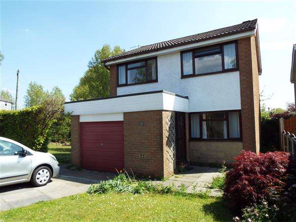 3 Bedrooms Detached House for sale in Castle House Lane, Adlington
