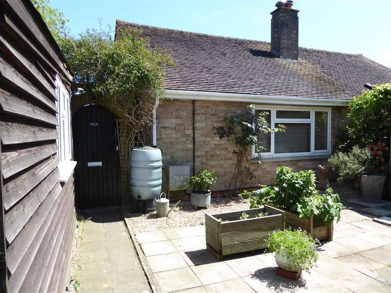 1 Bedroom Semi Detached Bungalow for sale in North Mundham, Near Chichester
