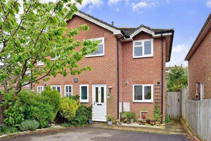 3 Bedrooms Semi Detached House for sale in Victoria Road, , Crowborough, East Sussex