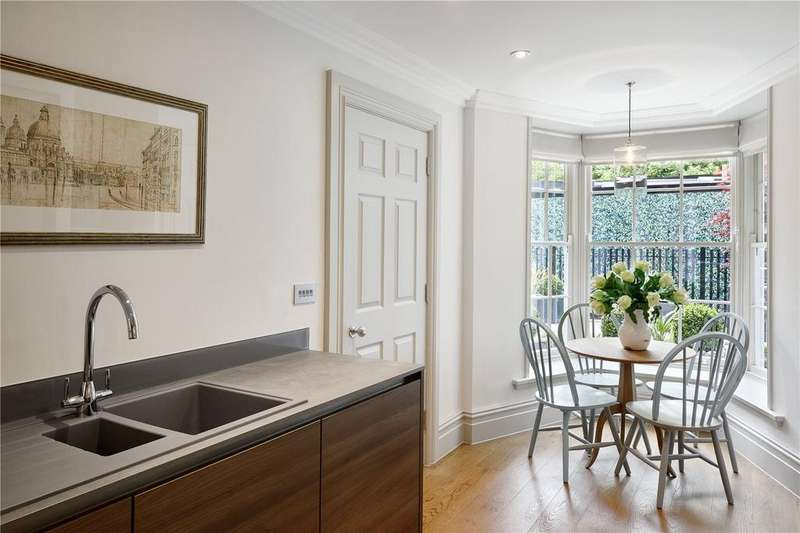 2 Bedrooms Flat for sale in Castle House, London Road, Tunbridge Wells, Kent, TN1