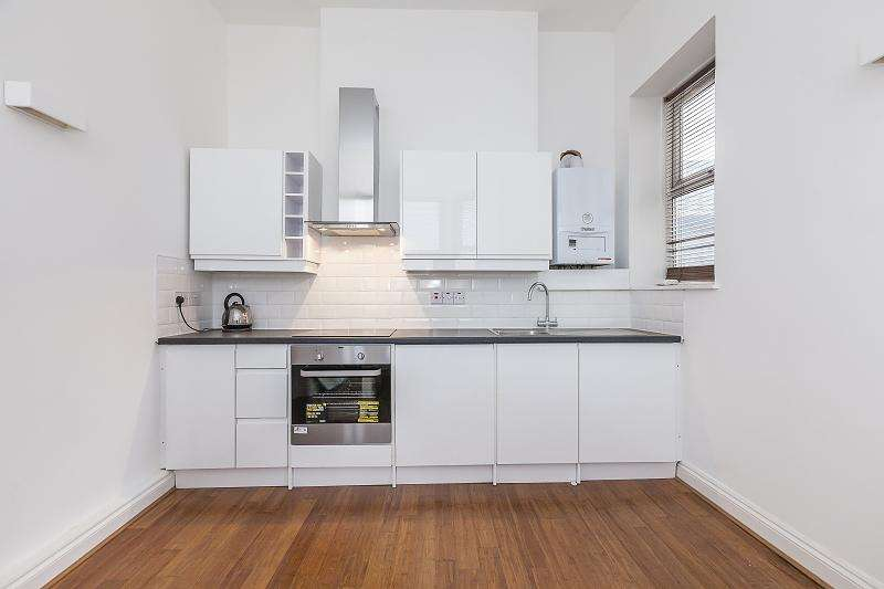 1 Bedroom Flat for sale in Cann Hall Road, London, Greater London. E11 3NL