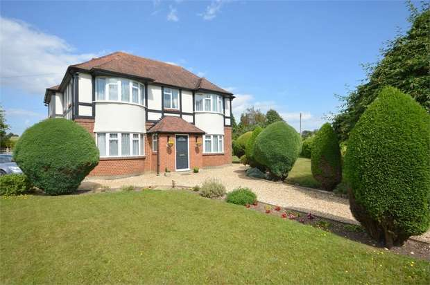 4 Bedrooms Detached House for sale in Alyth Road, Talbot Woods, Bournemouth