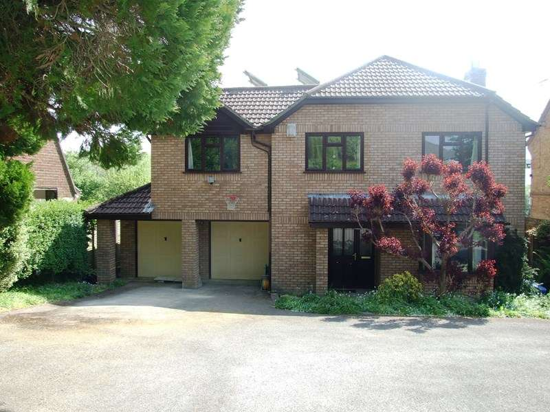 5 Bedrooms Detached House for sale in Burbidge Close, Lytchett Matravers, Poole