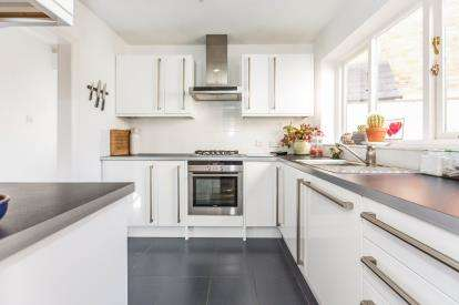 3 Bedrooms Terraced House for sale in Barbourne Lane, Barbourne, Worcester, Worcestershire