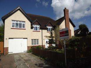 3 Bedrooms Flat for sale in Cornwallis Avenue, Folkestone, Kent, England