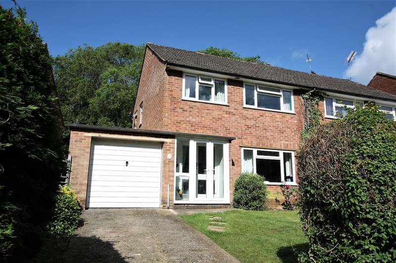 3 Bedrooms Semi Detached House for sale in Sheepfold Lane, Amersham, Buckinghamshire, HP7 9EJ