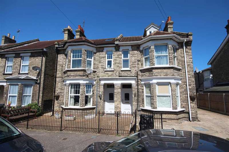7 Bedrooms Semi Detached House for sale in Meredith Road, Clacton-On-Sea