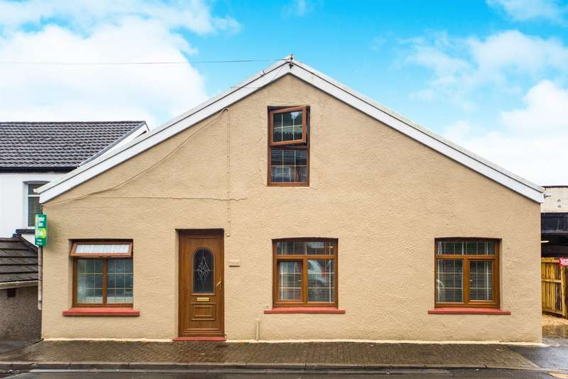 4 Bedrooms Detached House for sale in Pantygraigwen Road, Pontypridd