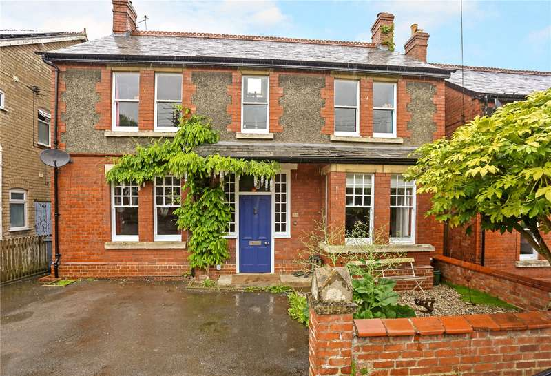 4 Bedrooms Detached House for sale in Rodborough Avenue, Stroud, Gloucestershire, GL5