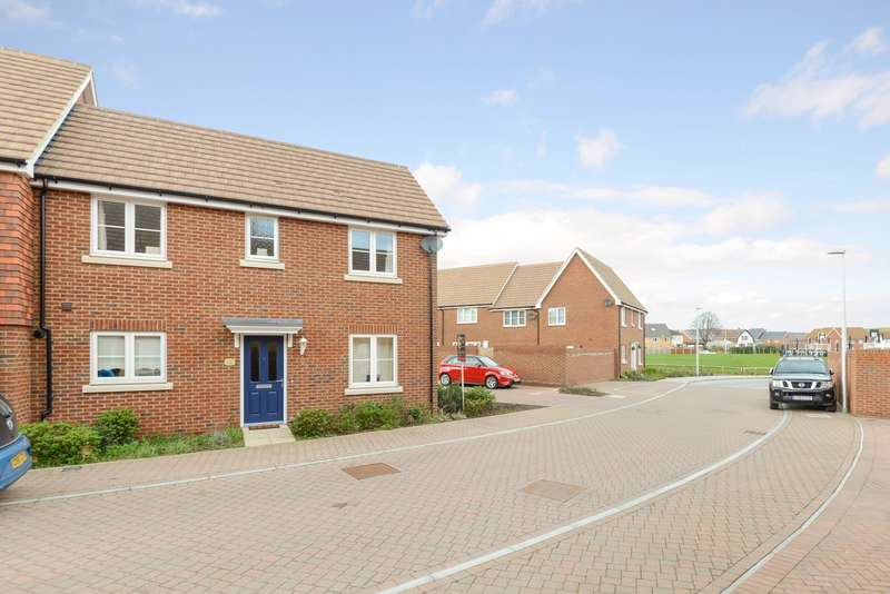 3 Bedrooms Terraced House for sale in Choir Close, Wainscott, ME3