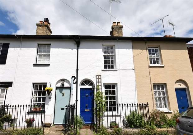 2 Bedrooms Cottage House for sale in Chipstead Lane, Riverhead, Sevenoaks, Kent