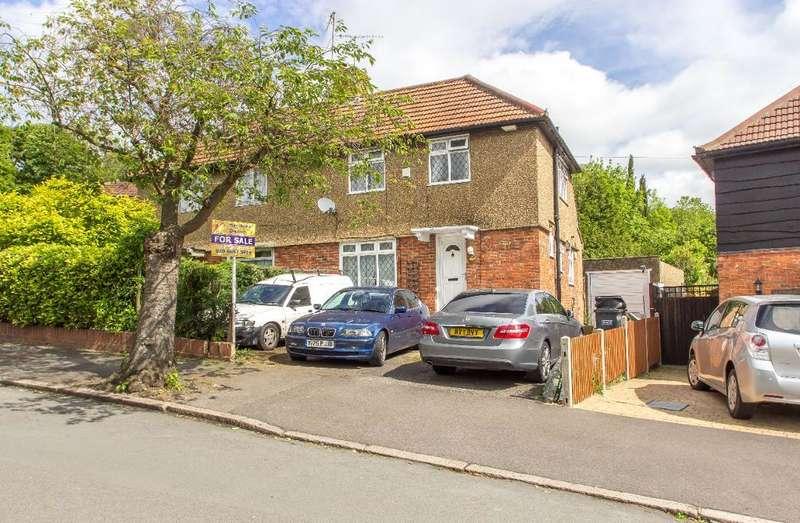 3 Bedrooms Semi Detached House for sale in Foxearth Road, Selsdon, Surrey, CR2 8EN