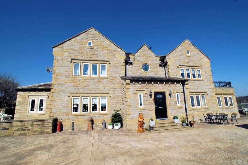 5 Bedrooms Detached House for sale in 'Ing Head View' 3 Ing Head Cottages, Denholmegate Road, Shelf, Halifax HX3