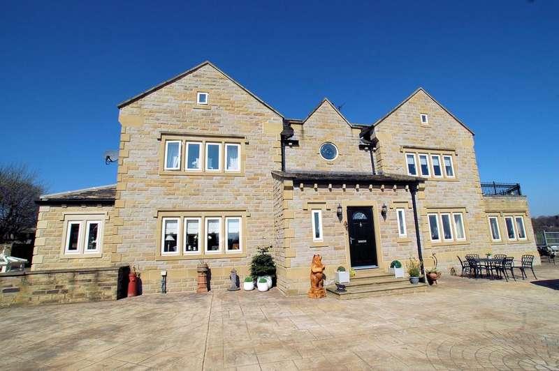 5 Bedrooms Detached House for sale in Denholmegate Road, Shelf, Halifax HX3