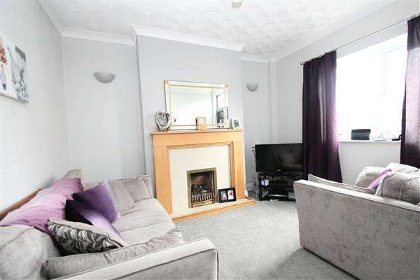 2 Bedrooms Terraced House for sale in Church Street, South Elmsall