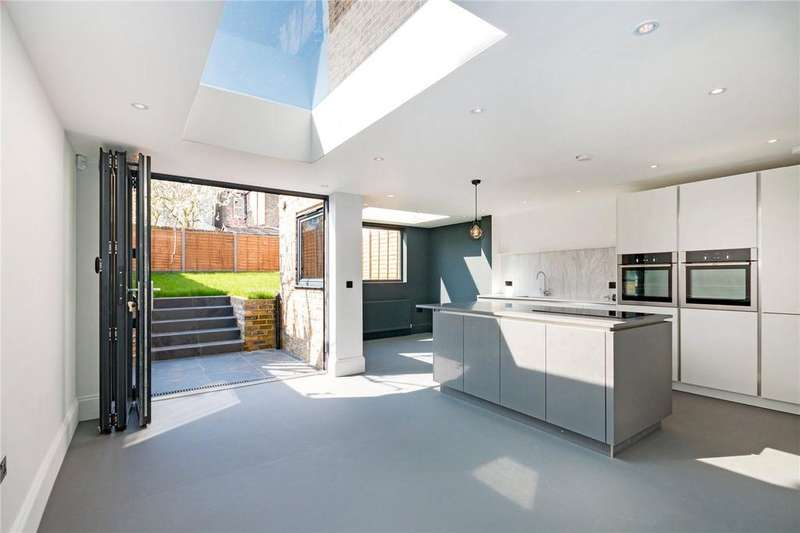 5 Bedrooms Semi Detached House for sale in Selsdon Road, West Norwood, London, SE27