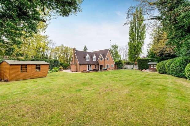 4 Bedrooms Detached House for sale in Little Oaks, Lye Lane, Bricket Wood, Herts