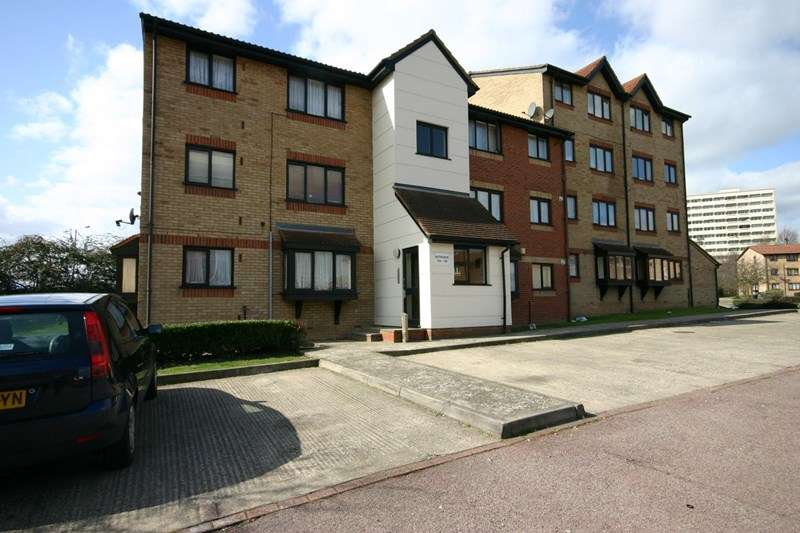 Property for sale in Magpie Close, Enfield