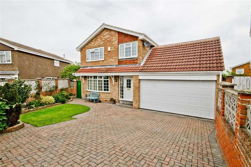 3 Bedrooms Detached House for sale in Woodbrook Close, New Marske, Redcar, TS11 8HP