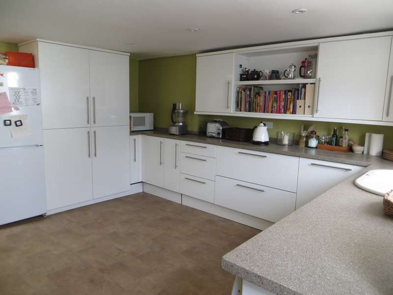 4 Bedrooms Terraced House for sale in Alexandra Terrace, Exeter