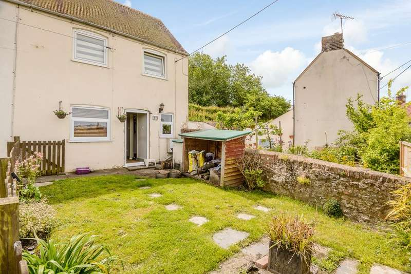 2 Bedrooms Semi Detached House for sale in Marsh Street, Warminster, Wiltshire, BA12 9PG