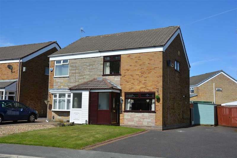 3 Bedrooms Semi Detached House for sale in Sandpiper Road, Highfield, Wigan, WN3