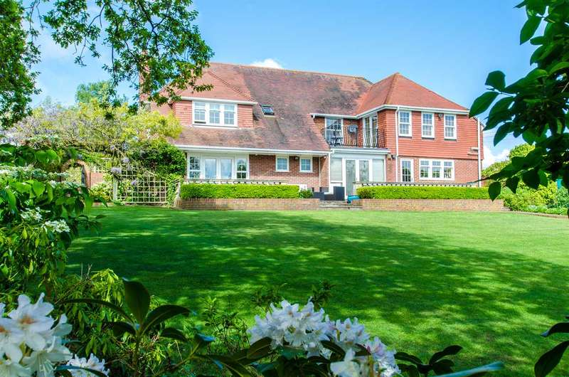 5 Bedrooms Detached House for sale in Hill Top House, Mill Lane, Hartlip, Sittingbourne