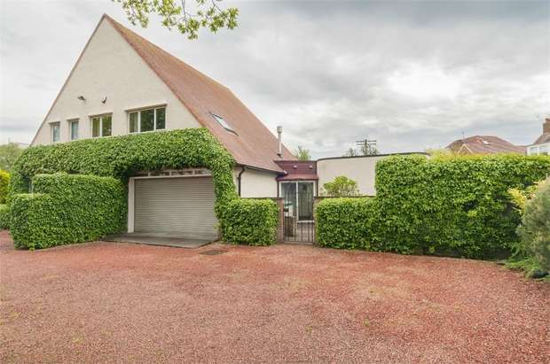 3 Bedrooms Detached House for sale in Ravelston Dykes, Edinburgh