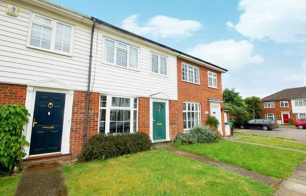 3 Bedrooms Terraced House for sale in Vincent Row, Hampton Hill