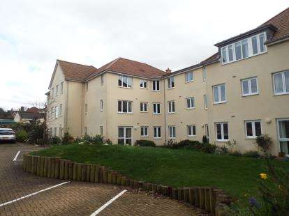 1 Bedroom Flat for sale in Somerton Road, Street, Somerset