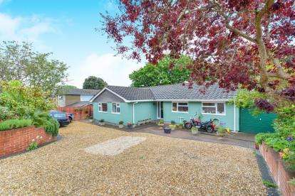 4 Bedrooms Bungalow for sale in Ventnor, Isle Of Wight, .