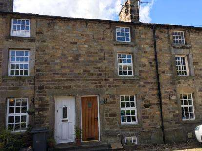 2 Bedrooms Terraced House for sale in Wagon Road, Dolphinholme, Lancaster, LA2